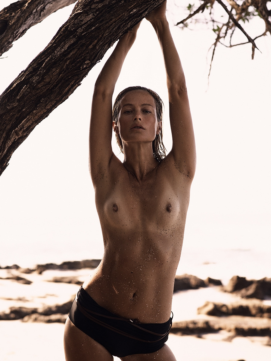 CAROLYN-MURPHY-BY-MIKAEL-JANSSON-FOR-INTERVIEW-MAGAZINE-MARCH-2016-12