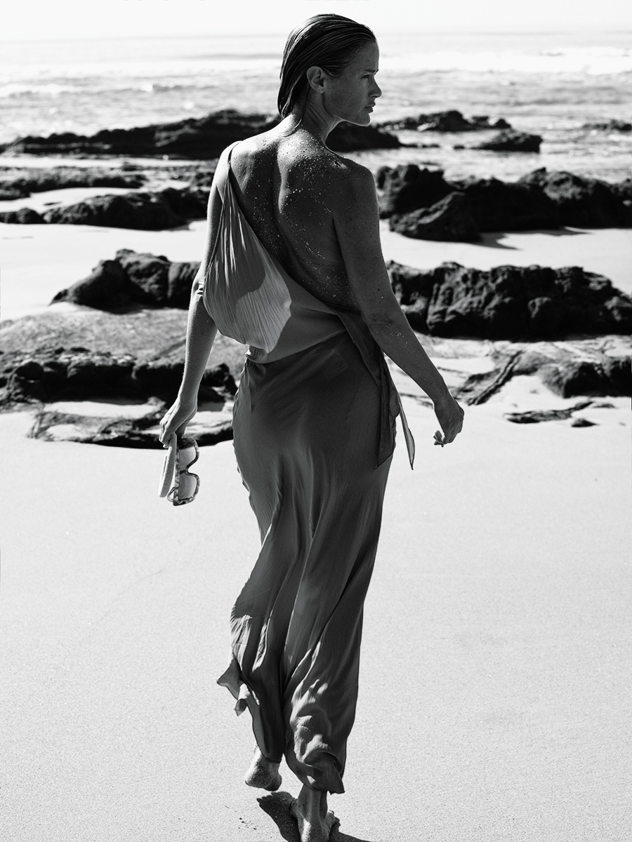 CAROLYN-MURPHY-BY-MIKAEL-JANSSON-FOR-INTERVIEW-MAGAZINE-MARCH-2016-27