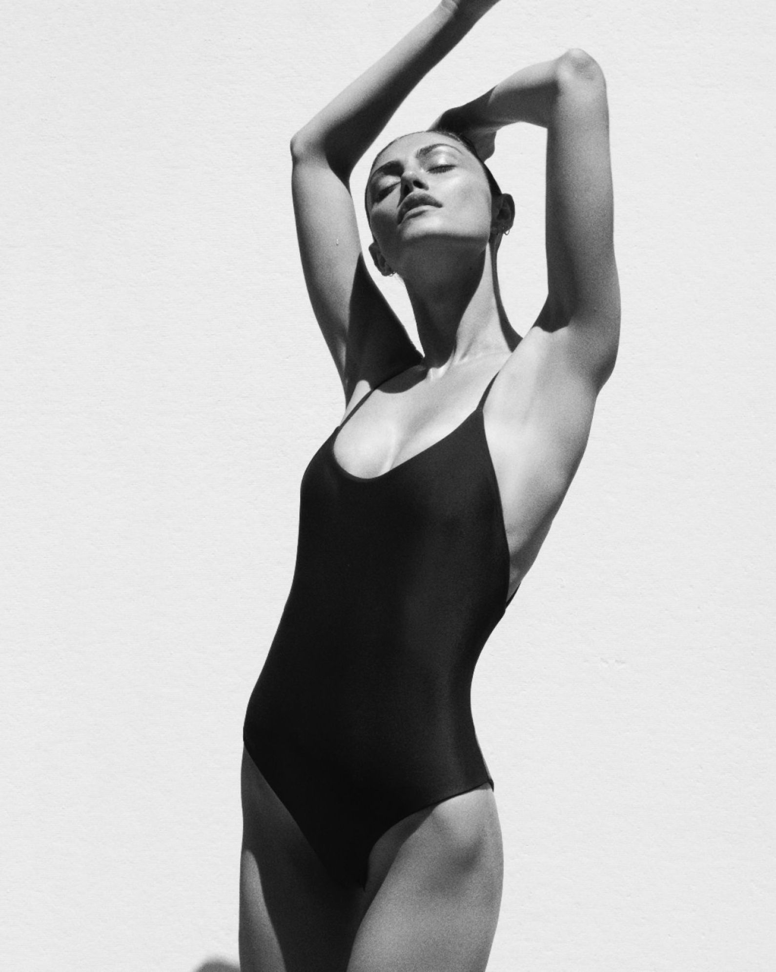 Phoebe-Tonkin--Matteau-Swim-2015-Collection-05