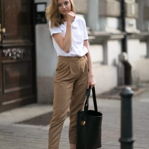 WOOLEN TROUSERS IN CAMEL